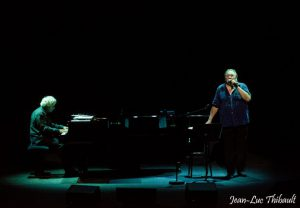 Gérard Depardieu chante Barbara à l'opéra garnier de monaco avec Gérad Daguerre au piano